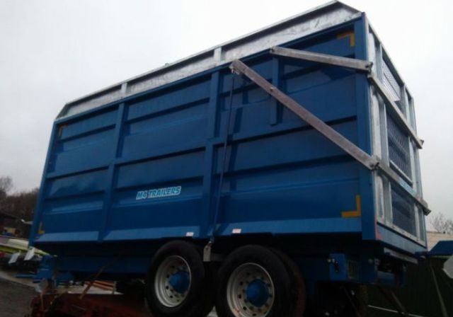 grain silage tipper